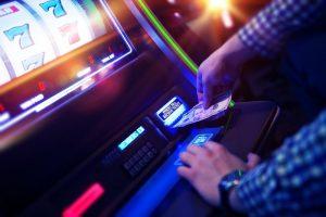Paljon erilaisia peliautomaatteja tarjolla